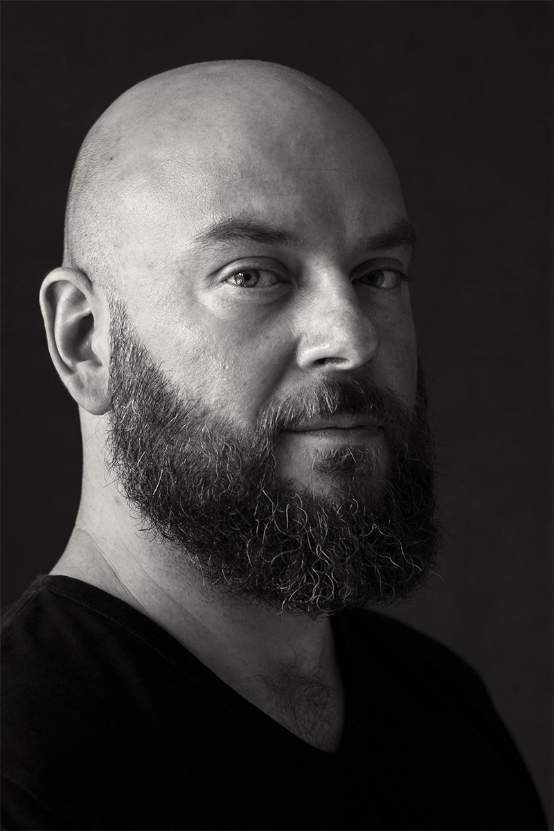 Schwarz-weiß Portrait von Bert. Fotografiert von Astrid Schulz.