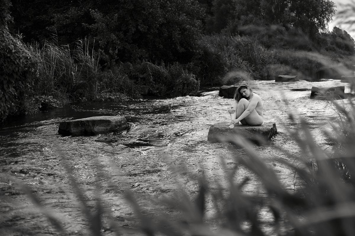 fotograf-bremen-akt-im-fluss