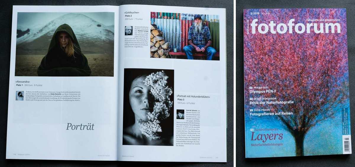 """Fotografie der Doppelseite des Magazins """"Fotoforum"""", auf der rechts das Foto von Astrid Schulz, mit dem sie den 3. Platz gemacht hat, zu sehen ist. Das Bild ist ein Schwarz-weiß-Portrait einer jungen, sommersprossigen Frau. Auf ihrer linken Gesichtshälfte liegen Holunderblüten kunstvoll drapiert."""